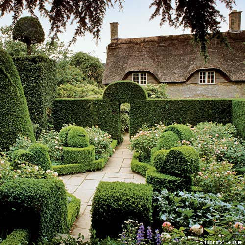The Most Popular Designs Australians Want In Their Homes: The Best English Gardens In The Cotswolds